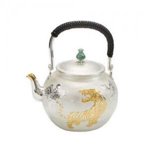 老虎雕塑水壶